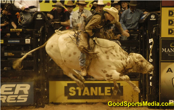 jason ohearn gets hit at pbr owrld finals las vegas