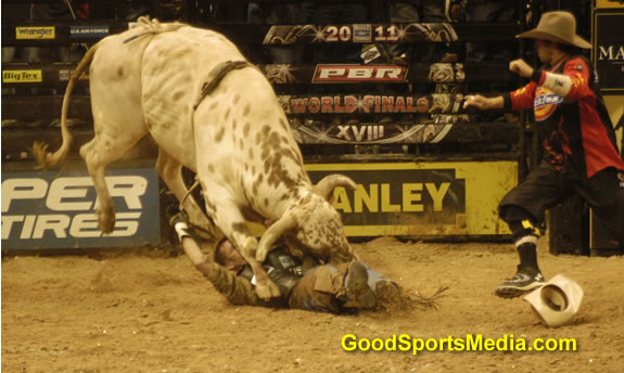 jason o'hearn takes a hit int he pbr world finals
